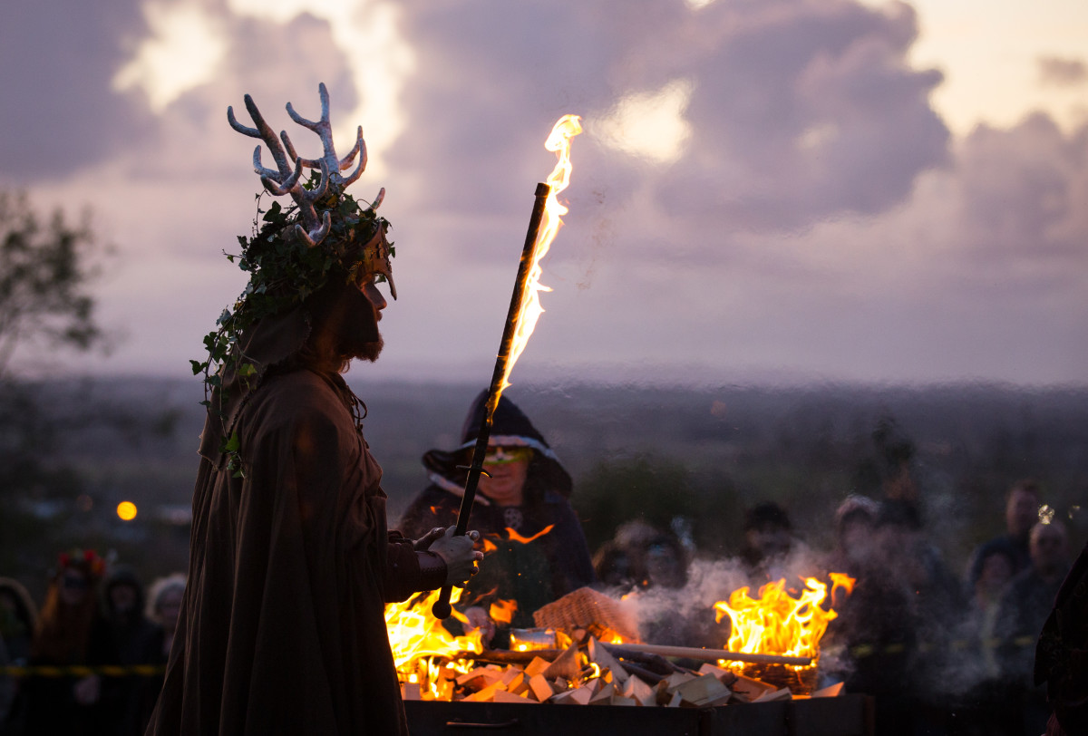 the-festival-of-samhain-is-celebrated-in-glastonbury